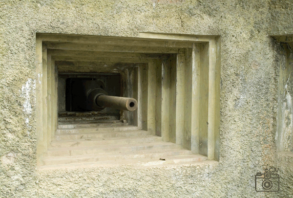Schietgat met 47 mm anti-tankkanon